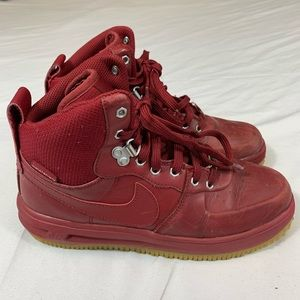 NIKE LUNAR FORCE 1 DUCKBOOT RED SIZE 6Y